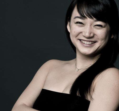 Michiko Tashiro, Klavier